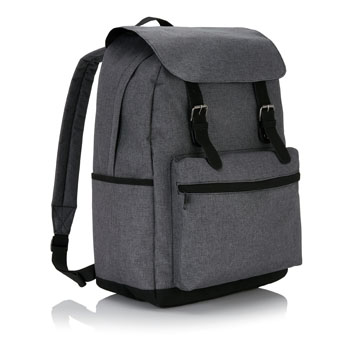 Laptop backpack with magnetic bucklestraps